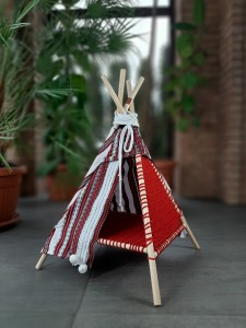 Tipi FOLK red
